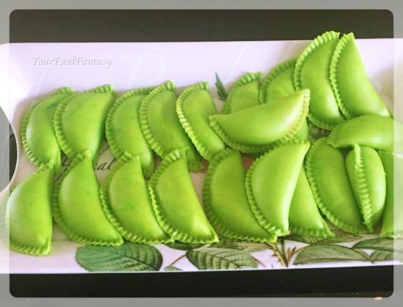 green colored gujiya | yourfoodfantasy by meenu gupta