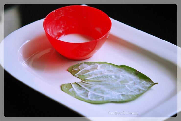 applying chuna on paan | paan making | yourfoodfantasy by meenu gupta