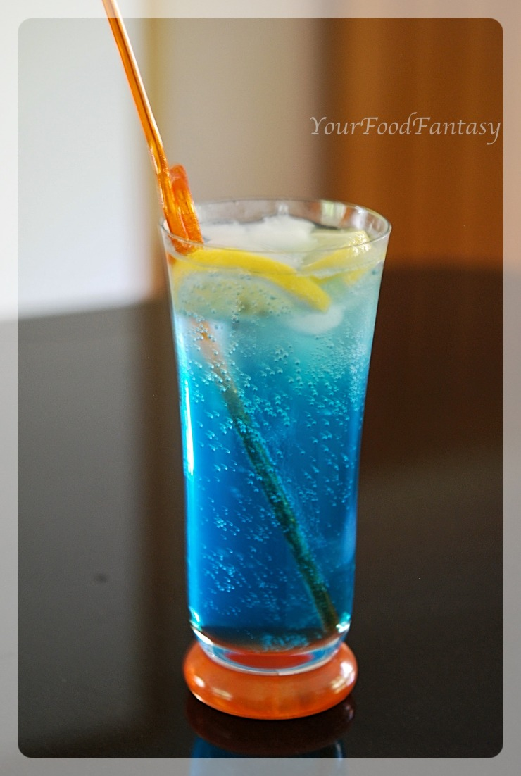 How to Make Blue Lagoon Mocktail | YourFoodFantasy
