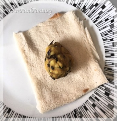 Filling Bread Roll with Potato | YourFoodFantasy.com