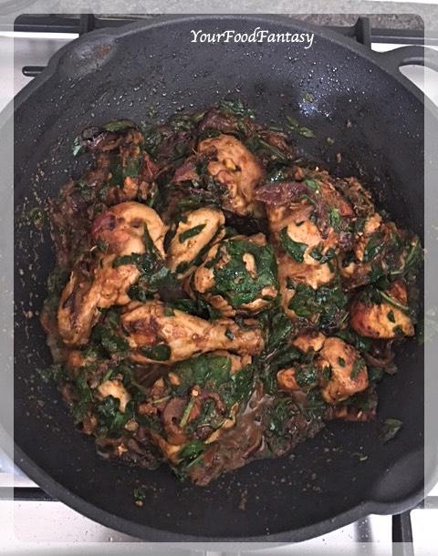Spinach Chicken Curry Recipe | Your Food Fantasy by Meenu Gupta